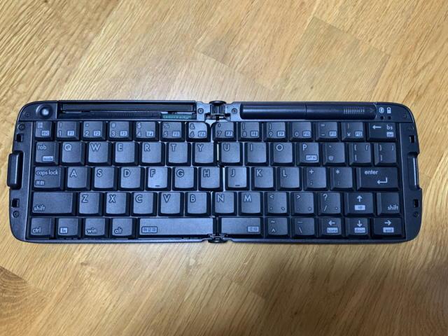 リュウド 折りたたみ式ワイヤレスキーボード