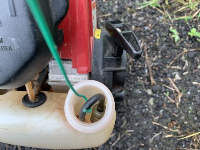 草刈機 燃料フィルター交換