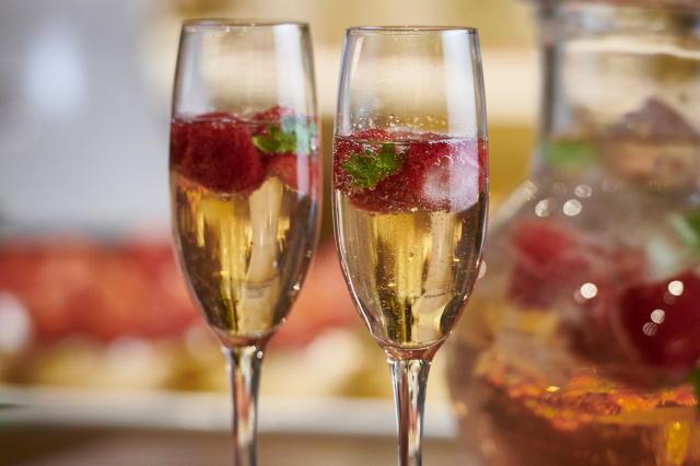 いちごのスパークリングワイン、いちごのサングリアも飲める飲み放題
