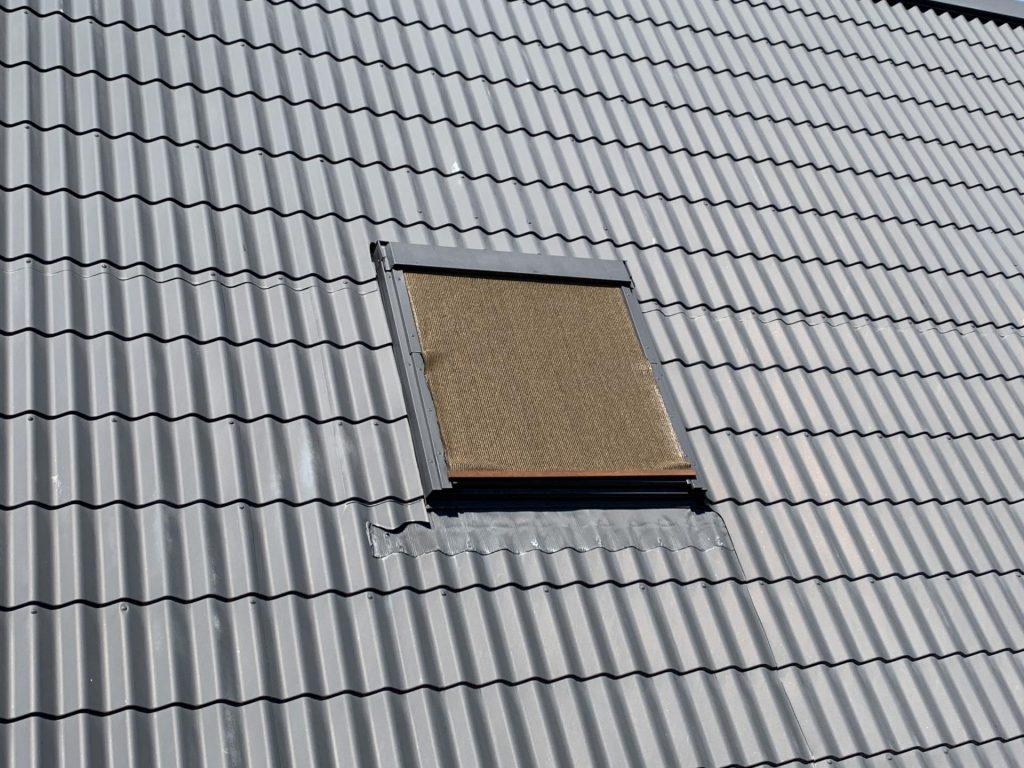 ベルックスの天窓にシェードを取付け